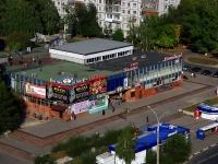 соседний дом: б-р. Приморский, дом 22. многофункциональное здание