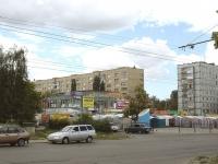 """Тольятти, торговый центр """"Старый торговый"""", улица Революционная, дом 28"""
