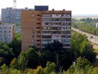 Togliatti, Revolyutsionnaya st, house 22. Apartment house