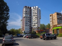 Togliatti, Sverdlov st, house 1В. Apartment house