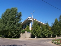 Togliatti, Stavropolskaya st, house 100. Private house