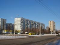 Тольятти, Степана Разина проспект, дом 68. многоквартирный дом