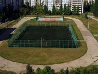 Тольятти, улица Тополиная. спортивная площадка