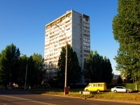 Togliatti, Topolinaya st, house 25. Apartment house