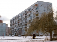 Togliatti, Topolinaya st, house 52. Apartment house