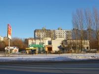 Тольятти, улица Юбилейная, дом 43. многофункциональное здание