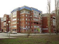 Togliatti, Polyakova st, house 30. Apartment house