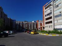 Тольятти, улица Полякова, дом 24. многоквартирный дом