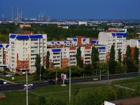 соседний дом: ул. Полякова, дом 26. многоквартирный дом