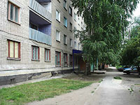 neighbour house: st. Verhnepionerskaya, house 49. Apartment house