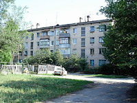 neighbour house: st. Gidroturbinnaya, house 24. Apartment house