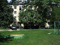 neighbour house: st. Gidroturbinnaya, house 36. Apartment house