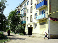 neighbour house: st. Dekabristov, house 68. Apartment house