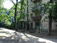 Syzran, Dekabristov st, house 185. Apartment house