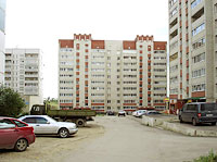 neighbour house: st. Zvezdnaya, house 58. Apartment house