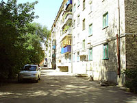 Syzran, Kirov st, house 72. Apartment house