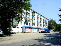 neighbour house: st. Krasilnikov, house 40. Apartment house