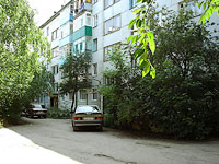 neighbour house: st. Krasilnikov, house 42. Apartment house