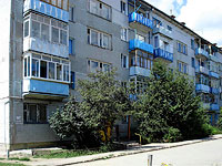 neighbour house: st. Krasilnikov, house 57. Apartment house