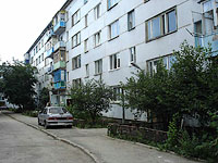 neighbour house: st. Lokomobilnaya, house 15. Apartment house