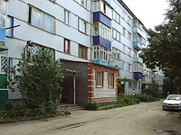 Syzran, Lokomobilnaya st, house 19. Apartment house