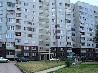 Syzran, Lokomobilnaya st, house 33. Apartment house