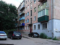 Syzran, Lokomobilnaya st, house 35. Apartment house