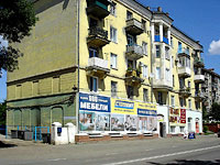Syzran, Sovetskaya st, house 123. Apartment house with a store on the ground-floor