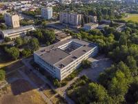 塞兹兰市,  , house 1. 国立重点高级中学
