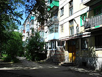 neighbour house: road. Ulyanovskoe, house 7. Apartment house