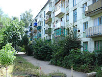 neighbour house: road. Ulyanovskoe, house 11. Apartment house