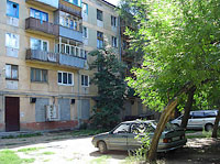 neighbour house: road. Ulyanovskoe, house 13. Apartment house