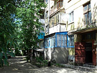 neighbour house: road. Ulyanovskoe, house 15. Apartment house