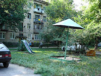 Syzran, Shkolnaya st, house 4. Apartment house