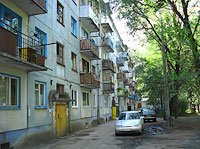 Syzran, st Zhukov, house 56. Apartment house