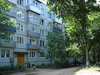 Syzran, Zhukov st, house 297. Apartment house