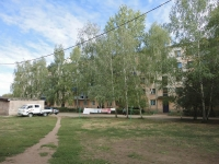 Pokhvistnevo, Gagarin st, house 35. Apartment house