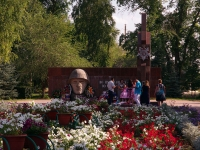 波赫维斯特涅沃,  . 纪念性建筑群