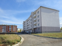 Pokhvistnevo, st Orlikov, house 1. Apartment house
