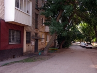 Kinel, 50 let Oktyabrya st, house 102. Apartment house
