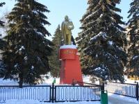 萨拉托夫市, Lenin sq, 纪念碑