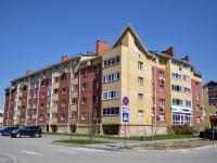 Yekaterinburg, st Barvinka, house 22. Apartment house