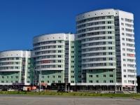 Екатеринбург, улица Юлиуса Фучика, дом 11. многоквартирный дом