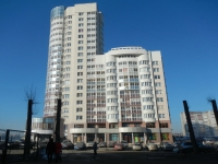 Yekaterinburg, Yulius Fuchik st, house 5. Apartment house