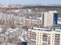Yekaterinburg, Mashinnaya st, house 42/3. Apartment house