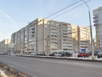 Yekaterinburg, Sovetskaya st, house 52. Apartment house