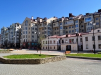 neighbour house: st. Krasnoarmeyskaya, house 37. Apartment house