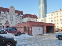 Yekaterinburg, Krasnoarmeyskaya st, garage (parking)