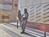 Yekaterinburg, monument Владимиру Высоцкому и Марине ВладиKrasnoarmeyskaya st, monument Владимиру Высоцкому и Марине Влади