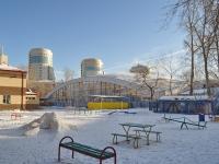 叶卡捷琳堡市, 体育学校 ЛОКОМОТИВ, Melkovskaya st, 房屋 3Б
